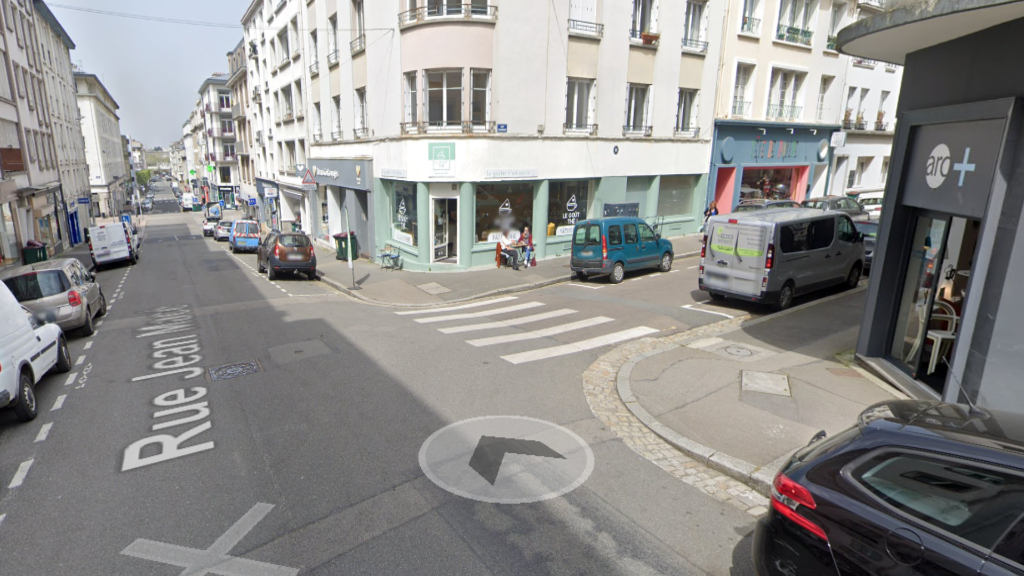 Local commercial Brest 87.70 m2
